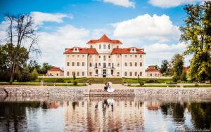 weddinh in czech castle
