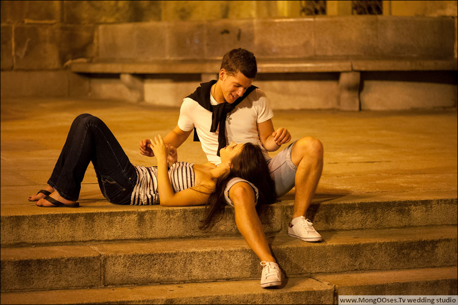 http://arturjakutsevich.com/wp-content/uploads/2012/03/nice-lovers-photo-in-prague.jpg