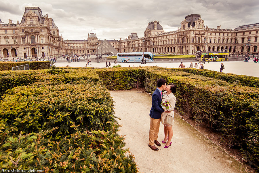 Pre wedding photos in Paris and France