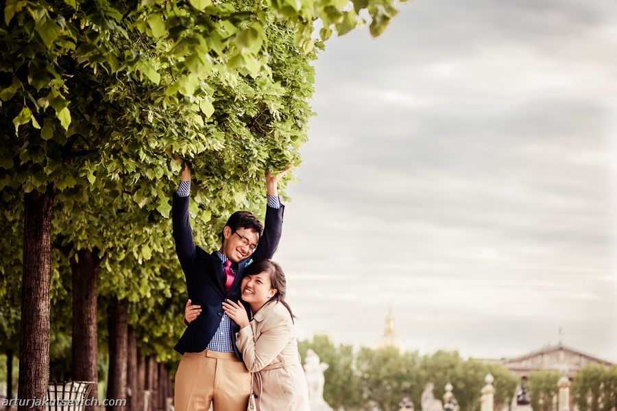 Pre wedding and engagement photography in Paris and France