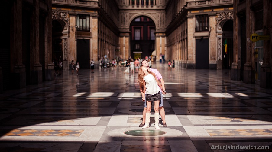 Galleria Umberto I in Napoli pre wedding photo