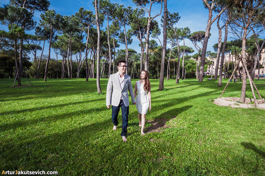 Engagement-in-Italy-pre-wedding-photographer-in-Rome