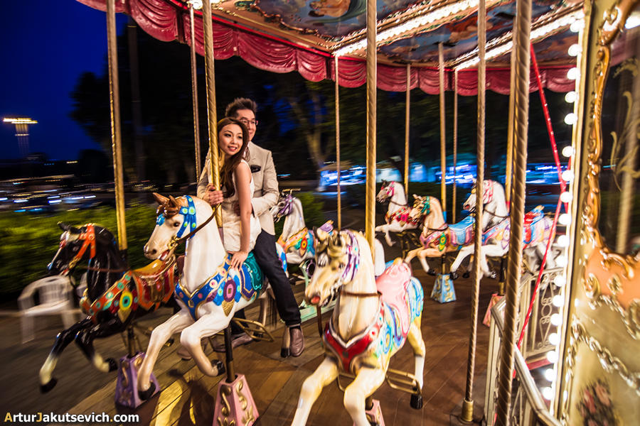 Merry-go-round in Rome photo