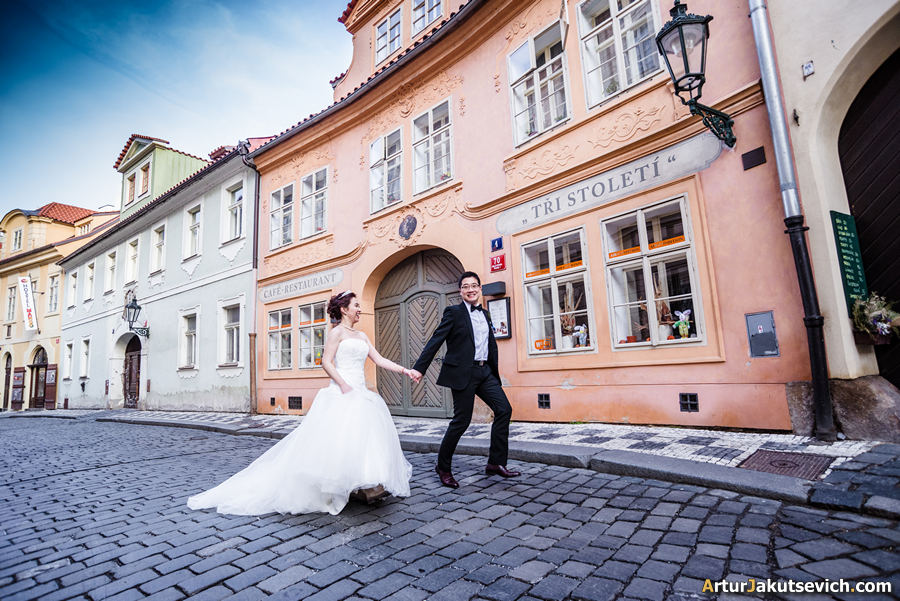 Prague in Spring photo engagement