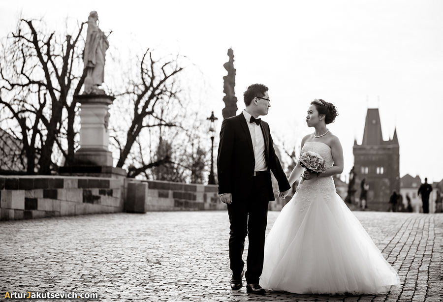 Wedding photography in Prague Charles Bridge