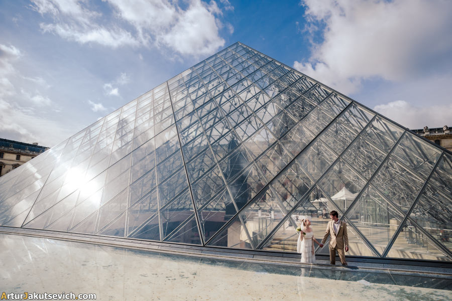 Louvre pyramid photo