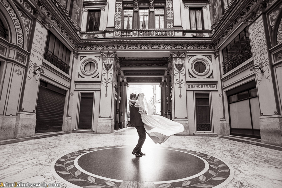 Artur Jakutsevich wedding and engagement photographer in Rome and Italy