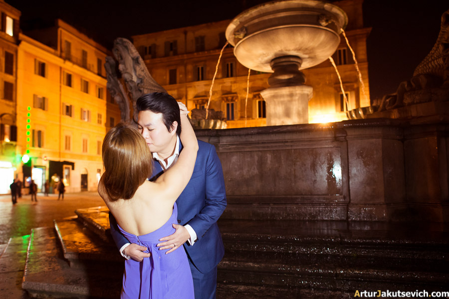 Photo shooting at night in Rome