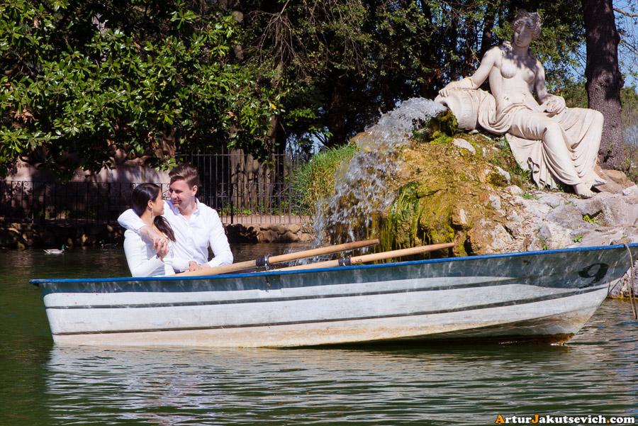 Boat in Villa Borghese