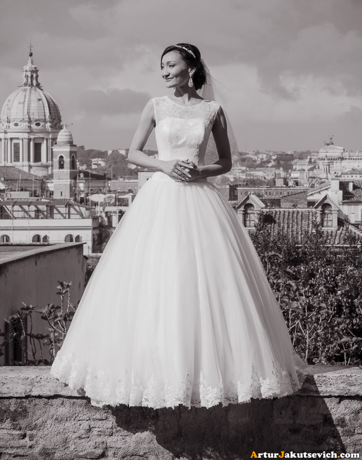 The bride in Rome