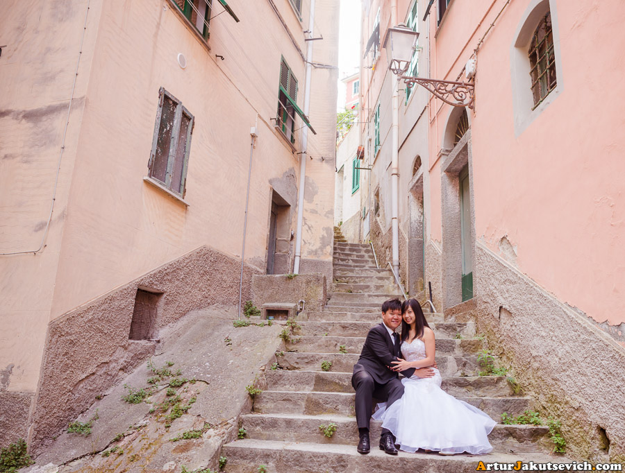 Wedding photo shooting in Riomaggiore in June