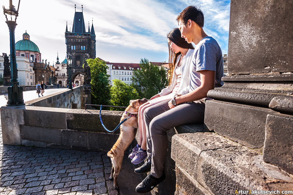 Charles bridge romantic photo shooting ideas